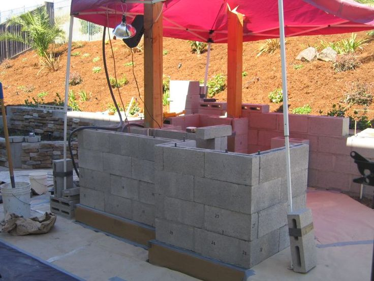 Outdor Kitchen Islands Using Concrete Block