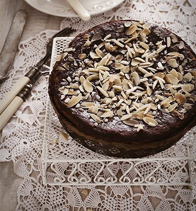 Chocolate Almond Cake (banting approved)