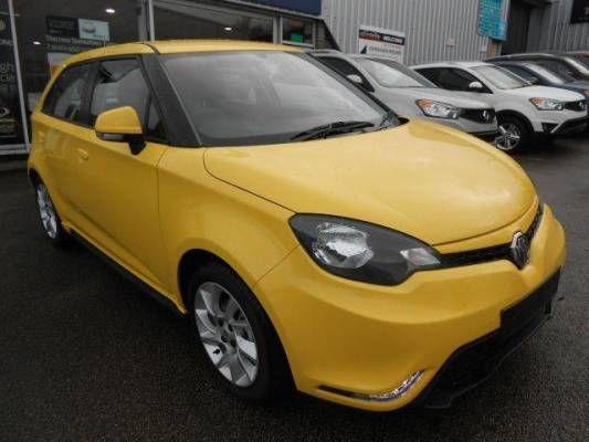 Used 2014 ( reg) Yellow MG MG3 1.5 VTi-TECH 3Form Sport 5dr for sale on RAC Cars