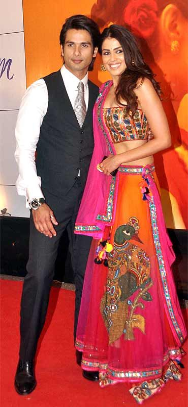 Shahid Kapoor and Genelia D'Souza at Mausam premiere