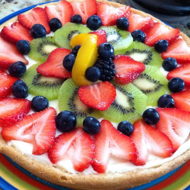 Easy fruit pizza I made! Delicious!!!!