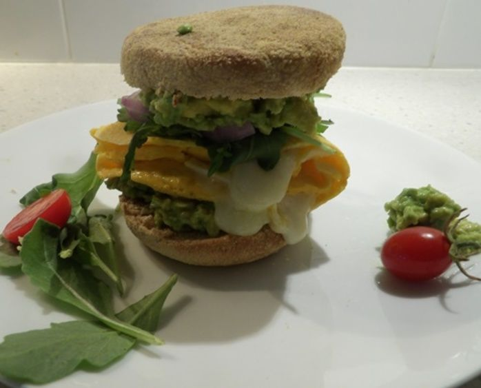 English,muffin,brunch,with,cheese,avocado