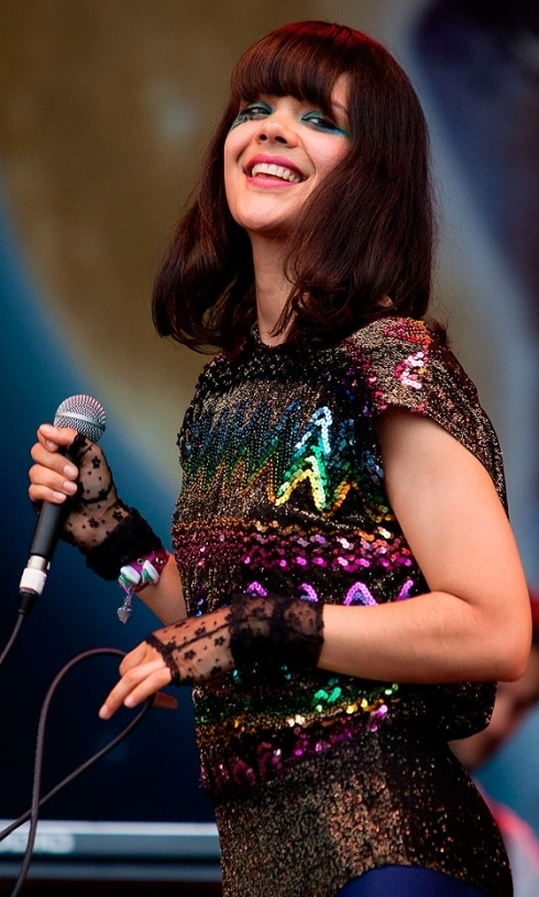 Glasto 2009: Bat for Lashes' Natasha Khan shines in a sequin heavy outfit