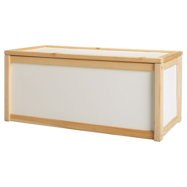 Coffre à jouets - IKEA- http://www.babayaga-magazine.com/selection-shopping/
