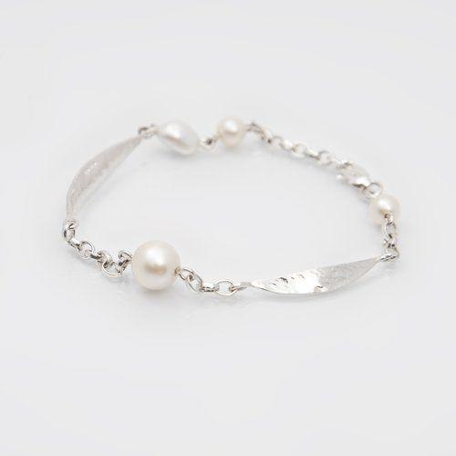 Designer Irish Pearl and sterling silverbracelet - Leaf Collection