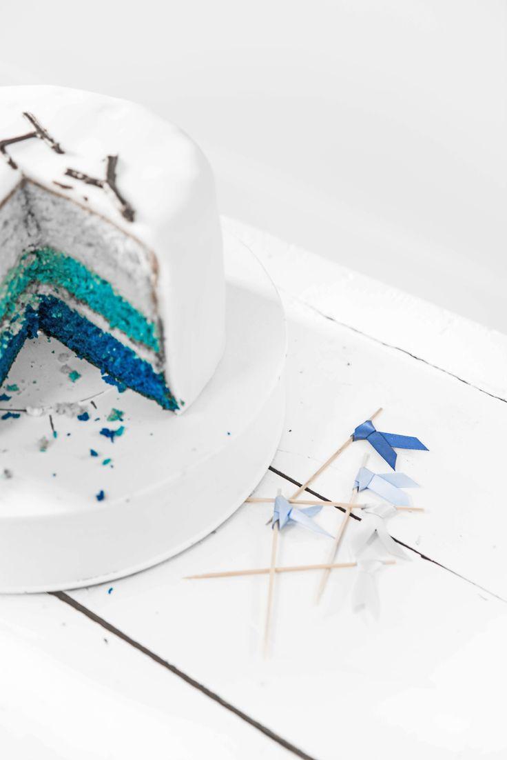it's a BOY! gender reveal cake! www.happilyeverafterdeco.nl