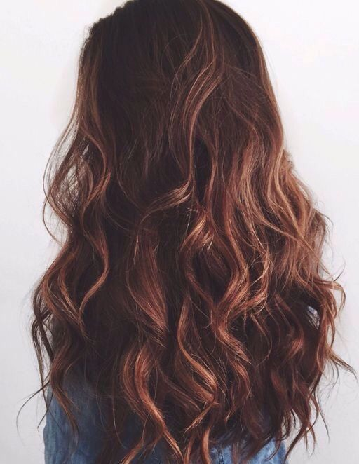 Long brunette loose curls