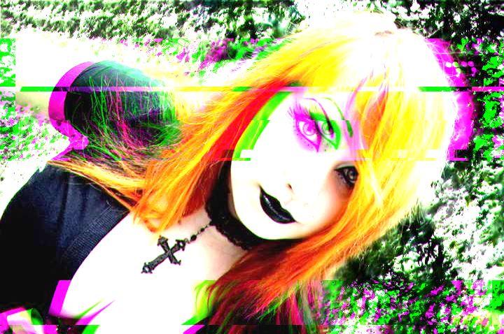 ⓛⓞⓥⓔ Goth Girl glitch ⓛⓞⓥⓔ