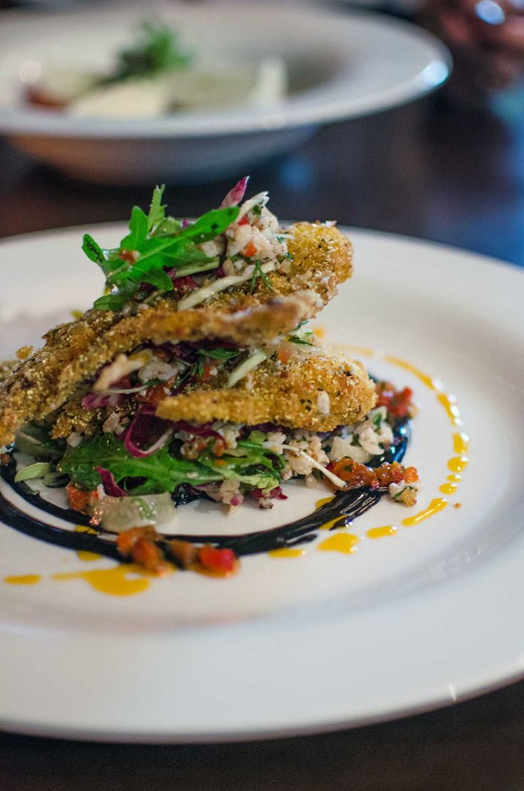 Granchio fritto at Salt Bar, Kingscliff | heneedsfood.com