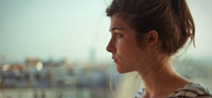5 dingen die je nóóit moet zeggen tegen iemand met een burnout | Op haar dertigste kreeg Lieke een flinke burn-out. Paniekaanvallen, angstklachten, extreme vermoeidheid, een depressie. Alles erop en eraan.