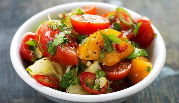 Tomatsalat med lime, chili og koriander