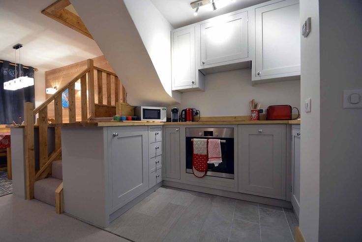 Newly renovated duplex self-catered apartment located on the piste in Meribel Mottaret...