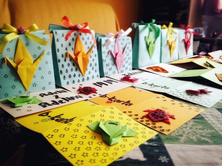 #giftmaking #manufacture #homemade #art #origami #partystarsintwomonths #beingprepared #manybirthdays Dva měsíce dopředu připravují dárky pro štíry a střelce, protože nechci být vypsychlá na konci října!Ještě musím někdy udělat 30 pf přání #klubkotvori #zadnyspanekprome 🖌🎨🎊☕️🎉