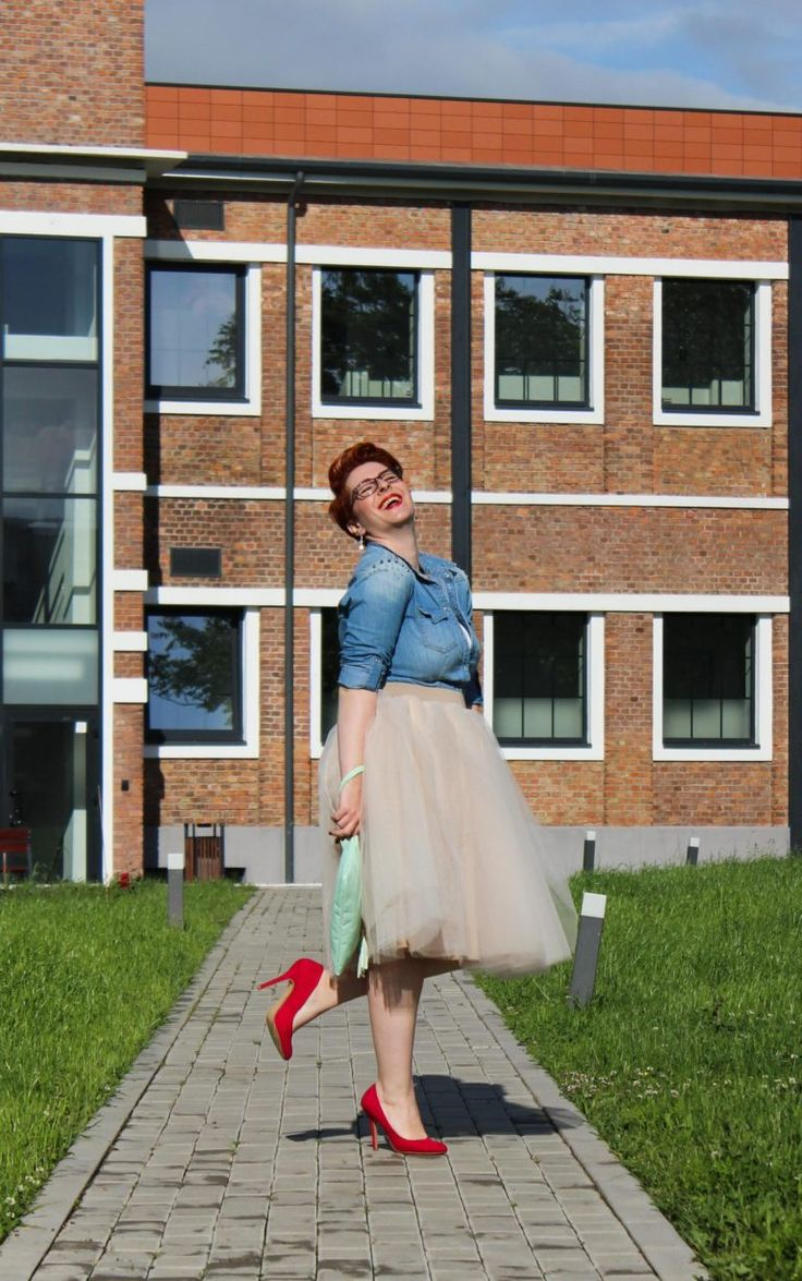 Wear a #tulleskirt on a casual situation to feel chic and glamorous - more on my #plussizefashion blog  #tutu #denimshirt