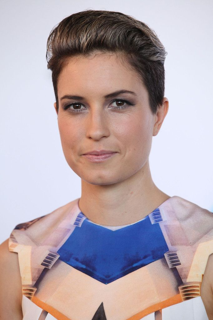 Missy Higgins arrives at the 26th Annual ARIA Awards 2012 at the Sydney Entertainment Centre on November 29, 2012 in Sydney, Australia.
