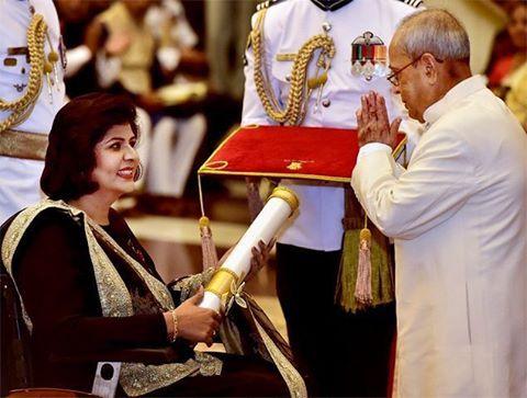 Honourable President Shri Pranab Mukhrejee confers Padma Shri Award on Rio Paralympics silver medalist #DeepaMalik in a #Sabyasachi during a function at the Rashtrapati Bhavna. #TheWorldOfSabyasachi @deepa_paralympian