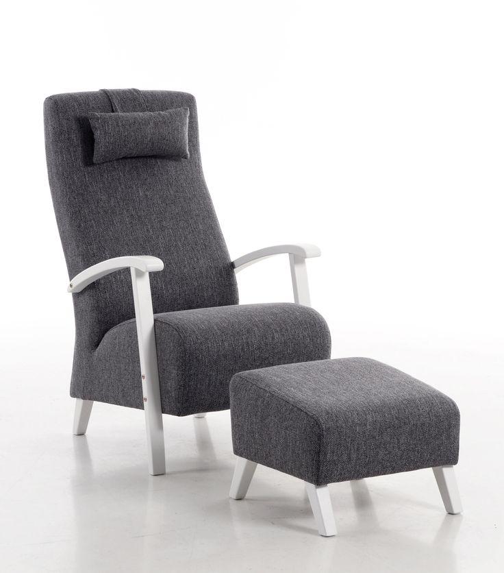 Klassinen nojatuoli rahilla 💜 Malli: Wagner Deluxe  Verhoilu: Kangas, Rene Vaihtoehdot: matala- ja korkeaselkäinen nojatuoli, keinutuoli, rahi Jälleenmyyjä: Sotka-myymälät  #pohjanmaan #pohjanmaankaluste  #koti #olohuone #armchair #livingroominspo #livingroomdecor