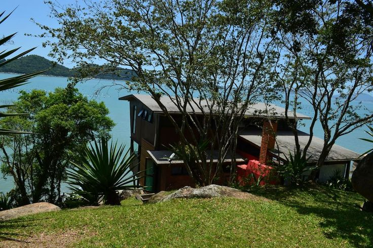 Exceptional property private beach - Houses for Rent in Governador Celso Ramos, Santa Catarina, Brazil