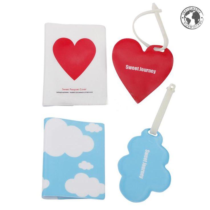 Porta Pasaporte e Identificador de maleta nube y corazón.  Medidas: 13,5 x 10 cm.