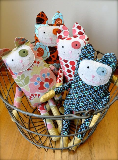 Kittens....these are soooo cute.....I think the girls, and maybe even Bubba, would love these :)