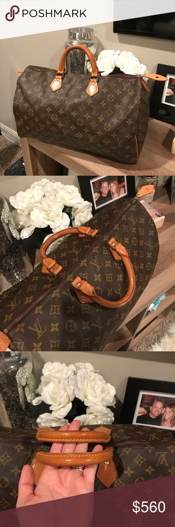 Authentic Louis Vuitton speedy 40 Great condition speedy 40. No foul smell, no exposed pipping, no cracks on canvas, no stains. Even honey patina. Does not come with dustbag. Louis Vuitton Bags Totes