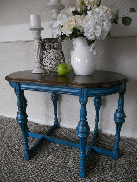 Createinspire Antique Peacock Side Table Furniture