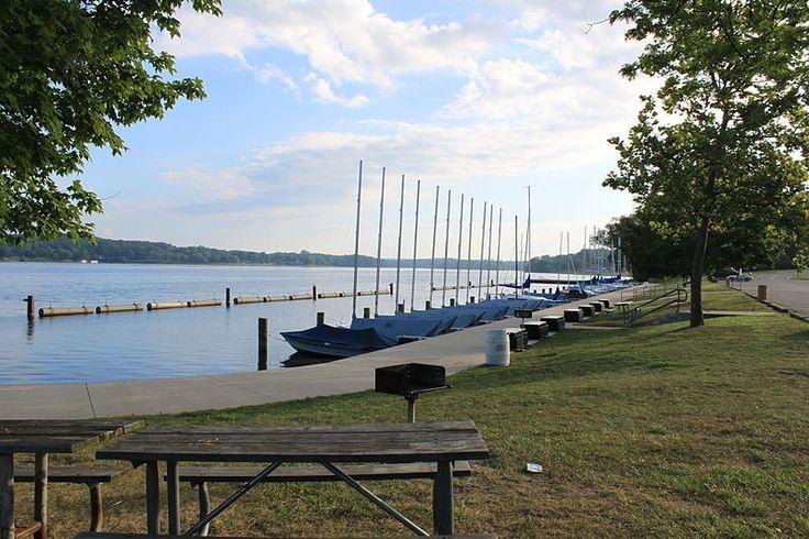 Filekensington metropark east boat launchjpg lake boat