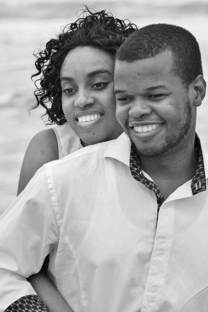 Free engagement photos at Cocoa Beach pier with any