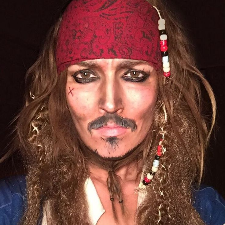"""""""Not sure if my boyfriend will ever look at me the same way again. Sorry @seancovel! 30 Day Makeup Challenge • DAY 6 • Captain Jack Sparrow …"""""""
