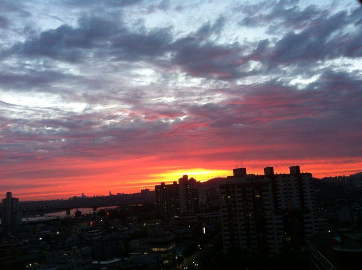 on friday, sep 14, 2012. the Seoul Hanriver's sunset