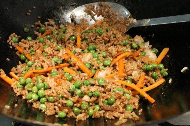 A szójaszósztól lesz a zöldséges sült rizs igazán kínai
