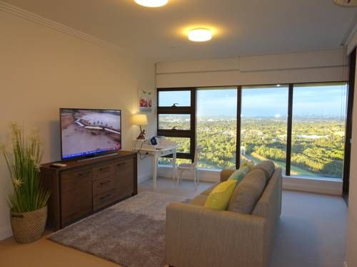Sydney Olympic Park Apartment Sydney Featuring air conditioning, Sydney Olympic Park Apartment is situated in Sydney, 400 metres from Bicentennial Park. There is a restaurant and guests can have fun at the water park. Sydney Showground is 800 metres away.