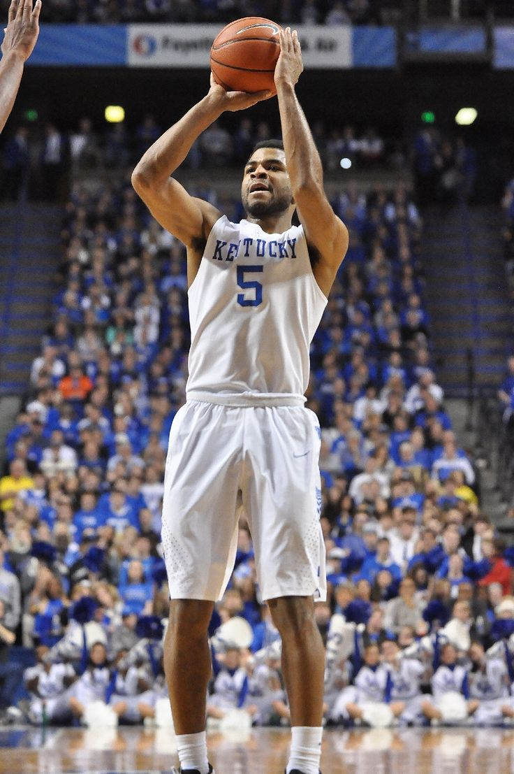 Andrew Harrison hit a career-high three 3-pointers against Georgia. (photo by Chris Reynolds)
