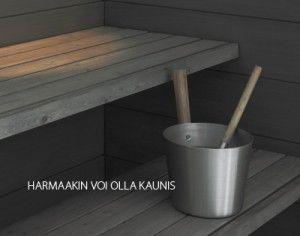 Saunan lauteet ja seinät käsitelty saunavahalla.