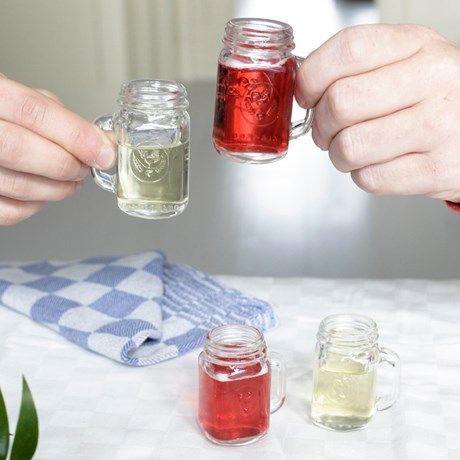 Skål med Mason Jars syltetøyglass i miniformat!