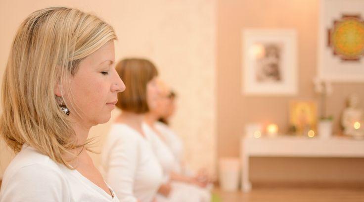 Meditációs jógatanfolyam - október 29, 16h A meditációs jógatanfolyamon mélyebben megismerkedhetünk a meditáció elméletével és gyakorlatával, valamint előkészítjük az önálló meditálás folyamatát. Bővebb információ a honlapon: