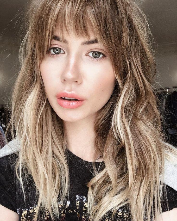 4,406 отметок «Нравится», 51 комментариев — Anastasia Rystova (@nastyanastya) в Instagram: «Всю жизнь бы так ходила: растрепанные волосы, идеальный макияж и футболка Harley-Davidson 🙈…»