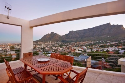 Tamboerskloof offers- This oasis with panoramic views is a reflection of good taste. From the top quality finishes throughout, to the free flowing living areas, this home offers all the mod-cons required for today's lifestyle. A most desirable location,secret gardens with azure pool are the added bonuses that make this contemporary home one of the best buys in the area today