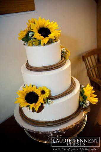 rustic wedding cakes with sunflowers 35 best sunflower city images on sunflowers 19574