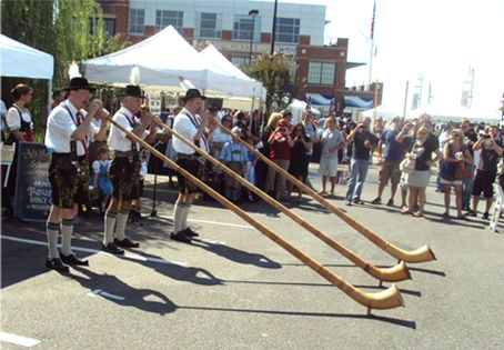 Das Best Oktoberfest will be at the M&T Stadium parking lot on October 11th... Bands, beer and more - what else could you ask for on a Saturday in October?