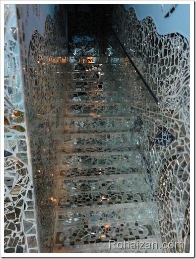 1000 ideas about broken mirror art on pinterest broken glass art mirror art and art supplies for Shattered mirror bathroom floor