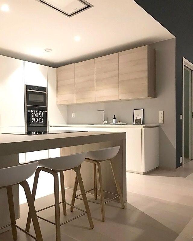 Love this beautiful kitchen!