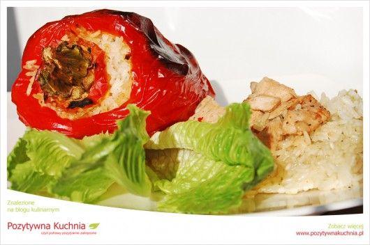Papryka z risotto - #papryka faszerowana włoskim risotto  http://pozytywnakuchnia.pl/papryka-nadziewana-wloskim-risotto/  #przepis #kuchnia #obiad