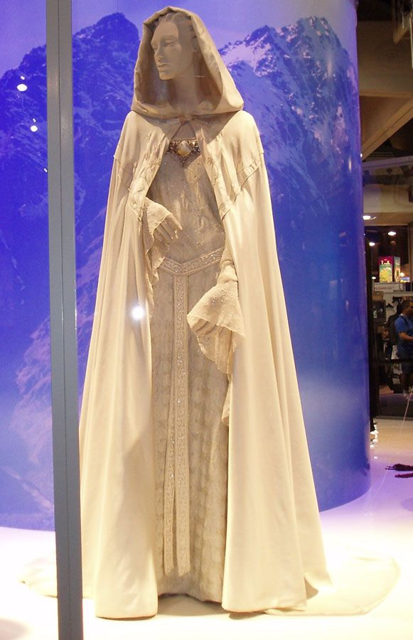 Day 9: favorite dress: Galadriel's dress for sure