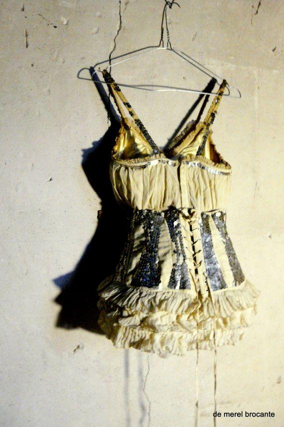 antieke vintage showgirl kostuum van de dans met korset
