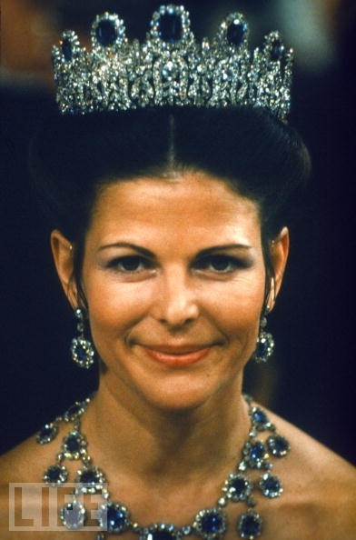 The Leuchtenberg Sapphire Parure Tiara: And the cameo ...