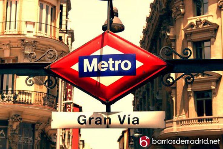 La Comunidad de Madrid cortará la línea 1 de metro a partir de mayo por mejoras. La comunidad de Madrid ha anunciado el cierre de las estaciones de la línea 1, desde la estación de Plaza de Castilla a la estación de Sierra de Guadalupe, a partir del 21 de mayo hasta el 30 de septiembre. http://barriosdemadrid.net/la-comunidad-de-madrid-cortara-la-linea-1-de-metro-a-partir-de-mayo-por-mejoras/
