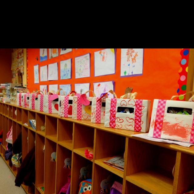Valentine Decorated Boxes: Cereal Box Suitcase Valentine Mailbox. I Made These With