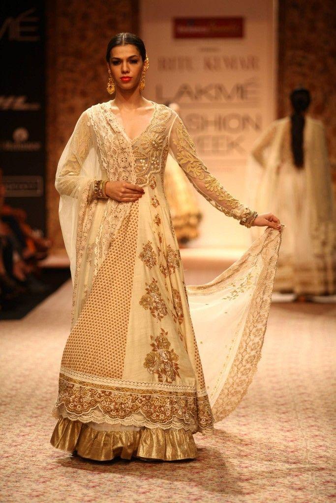 Ritu Kumars Vintage Collections at Lakme Fashion Week, WinterFestive