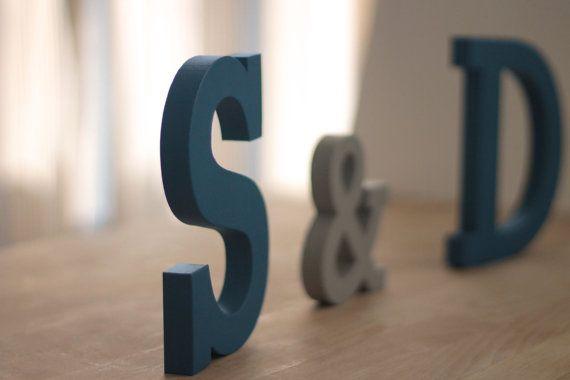 Lettre à personnalisée  Grosses lettres par CapsuleFactory sur Etsy